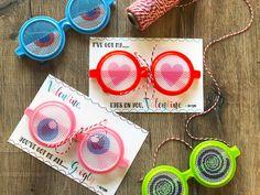 Googly Glasses Valen