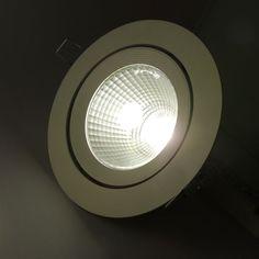 Downlight LED circular 25W . Tecnologia óptica con alta definición del haz de luz y alta uniformidad lumínica. http://www.barcelonaled.com/downlight-semi-empotrado/500-downlight-led-25-watios-redondo-basculante-blanco-8435427152722.html
