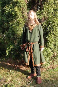 Viking tunic and trousers Viking Tunic, Viking Garb, Viking Reenactment, Viking Men, Viking Life, Norse Clothing, Medieval Clothing, Historical Clothing, Historical Photos