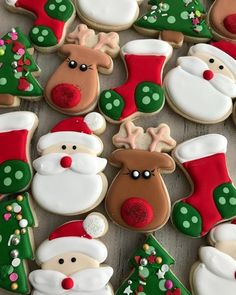 The Sugar House Bakery on Merry Christmas set! Cute Christmas Cookies, Christmas Sweets, Christmas Goodies, Holiday Cookies, Holiday Treats, Christmas Baking, Reindeer Cookies, Christmas Christmas, Decorated Christmas Cookies