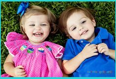 If I ever have twins I'd want a boy n a girl like this !! :)