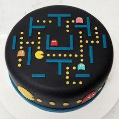 Bolo Pac Man, Pac Man Cake, Diy Cake, 40th Anniversary, Party Themes, Party Ideas, Birthday Parties, Birthday Cakes, Amazing Cakes