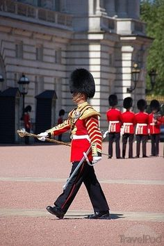 Buckingham Palace, changing of the guards