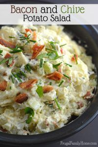 Dress Up Plain Potato Salad with Bacon and Chives - Picnic Food and Activities - Salat Homemade Potato Salads, Best Potato Salad Recipe, Potato Recipes, Soup And Salad, Pasta Salad, Chicken Salad, Steak Side Dishes, Classic Potato Salad, Bacon Salad