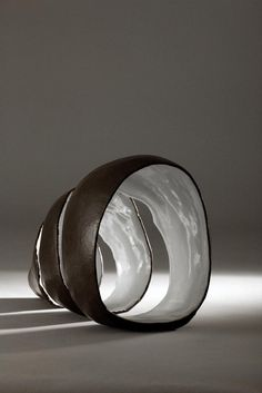 Reference for lighting/photography. Makes a difference. Patrick Colhoun Ceramics • Ceramics Now - Contemporary ceramics magazine