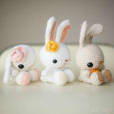 http://wixxl.com/spring-bunny-amigurumi-pattern/ Spring Bunny Amigurumi