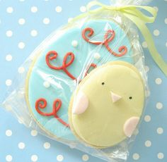 Easter Cookies--I love making sugar cookies, love this idea for icing them. Easter Bunny Cupcakes, Easter Cookies, Easter Treats, Galletas Cookies, Cupcake Cookies, Easter Biscuits, Iced Biscuits, Iced Sugar Cookies, Fancy Cookies