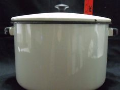 Vintage Enamelware Stock Pot with Lid White Black Trim 6 Quart Vintage Enamelware, Vintage Kitchenware, Enamel Cookware, Black Trim, Kitchen Appliances, Ebay, Diy Kitchen Appliances, Home Appliances, Kitchen Gadgets