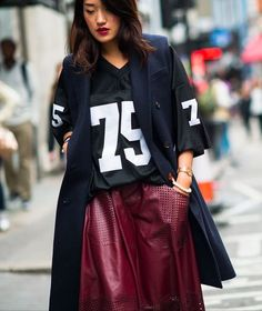 More sports luxe fashion here… Sport Style, Sport Luxe, Fashion Casual, Sport Fashion, Casual Outfits, Fashion Tips, Feminine Fashion, Style Fashion, Cheap Fashion