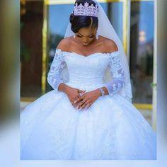 Bride Reception Dresses, Fancy Wedding Dresses, African Wedding Dress, Amazing Wedding Dress, Beautiful Wedding Gowns, Bride Gowns, Princess Wedding Dresses, Elegant Wedding Dress, Wedding Attire