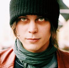 Ville Valo, Cool Bands, Pretty People, Angel, Man Candy, Beautiful Eyes, Face, Boys, Amazing