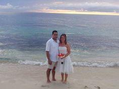 VIP's Mexico Destination Wedding at Cozumel Palace, Palace Resorts-happy wedding couple!