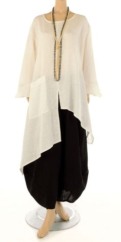 Champagne Ecru Linen Asymmetric Tunic Tunic Asymmetric Champagne Ecru Flax - Champagne from idaretob Hijab Fashion, Boho Fashion, Fashion Dresses, Womens Fashion, Fashion Design, Mode Cool, Linen Tunic, Mode Hijab, Linen Dresses