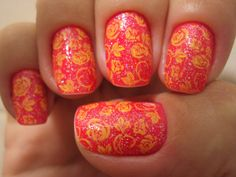 floral nails. flower nails