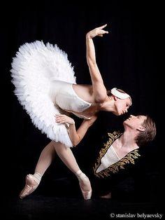 Salla Eerola and Jaakko Eerola, principal dancers of The Finnish National Ballet. Stanislav Belyaevsky Photography
