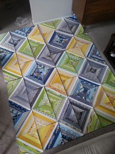 amazing quilt with scrap. never liked the string quilt until now. Jellyroll Quilts, Scrappy Quilts, Easy Quilts, Quilting Tutorials, Quilting Projects, Quilting Designs, Quilt Design, Quilt Block Patterns, Quilt Blocks