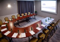 #hotel #poznań #lavender #training #conferences Conference Room, Table, Lavender, Training, Furniture, Home Decor, Coaching, Homemade Home Decor, Meeting Rooms
