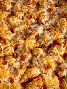 Pizza Casserole made with fluffy biscuits, pizza sauce, mini pepperoni, seasonings, and cheese! So easy to make and ready for dinner in just 30 minutes. Pasta Salad Recipes, Pizza Recipes, Chicken Recipes, Dinner Recipes, Cooking Recipes, Dinner Ideas, Meal Ideas, Weeknight Recipes, Supper Ideas