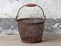 Vintage Wire Basket - a great addition to any living room. Keep magazines or blankets & throws close by your sofa in one of these vintage baskets. Vintage Wire Baskets, Metal Baskets, Large Baskets, Repurposed Furniture, Vintage Furniture, Waste Paper, Large Bathrooms, Vintage Tins, Metal Working