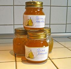 Pear Jam with Amaretto by hobbykoechin Healthy Eating Tips, Healthy Nutrition, Chutneys, Pear Jam, Salted Caramel Fudge, Salted Caramels, Food Club, Vegetable Drinks, Great Desserts