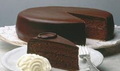 Chocolate - Food Eli 4 in 2019 Sweet Recipes, Cake Recipes, Dessert Recipes, Pastel Sacher, Sacher Torte Recipe, Food Cakes, Cupcake Cakes, Alcohol Cake, Heritage Recipe
