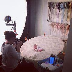 BTS today. #lindsaymacphotography #austintxphotographer #austinnewbornphotographer #lakewaynewbornphotographer #newbornphotography #austinnewborn #newbornbabygirl #behindthescenes