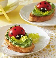 Bärlauch-Crostini Rezept: Bärlauch,Ziegenfrischkäse,Salz,Pfeffer,Kopfsalat,Tomaten,Stein,Olivenöl,Ciabatta,Gefrierbeutel