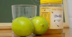 Como fazer xarope caseiro para tosse com limão e mel. Mel com limão é um tradicional remédio popular contra tosse, mas será que funciona mesmo? De acordo com o Dr. James Steckelberg, da Mayo Clinic, pesquisas mostram que crianças gripadas que tomaram duas colheres de sopa de mel antes de irem dormir obtiveram algum alívio contra a tosse. Tosses severas, persistentes ou causadas por outros motivos, ...