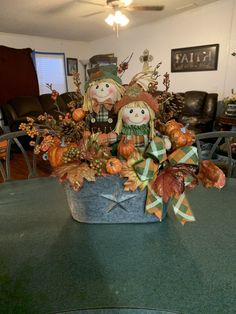 Homemade Wreaths and Floral Decor by InspiringFloralDecor Fall Yard Decor, Outside Fall Decorations, Rustic Fall Decor, Harvest Decorations, Pumkin Decoration, Decoration Table, Centerpiece Ideas, Pumpkin Arrangements, Fall Floral Arrangements