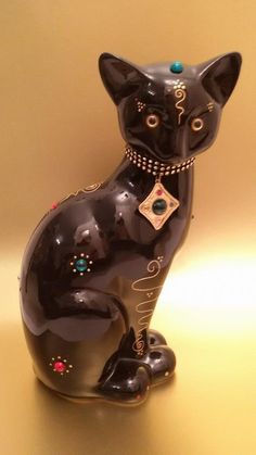 "Big Statue of cat ""Ramses"" in ceramic, decoration or collection by Laure Terrier  Hauteur: 12.20 pouces (31 centimètres)"