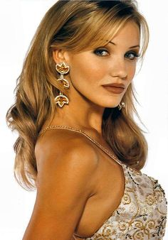 Young Cameron Diaz in Elegant Sleeveless Dress