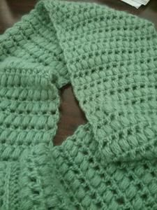 Free crochet pattern for puff-stitch infinity scarf
