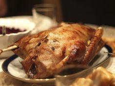 Vánoční husa s jablky - Recepty na každý den Pork, Turkey, Meat, Kale Stir Fry, Turkey Country, Pork Chops