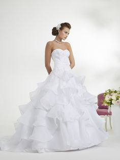 ... Inspiration robe de mariée on Pinterest  Robes, Mariage and Costura