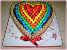 Torta Barquillos y M&M Heart Cake