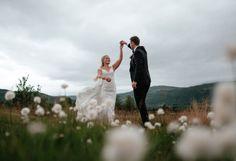 Hvordan arrangere bryllup, sommer 2020 Wedding Suits, Wedding Dresses, Couple Photos, Couples, Bride Dresses, Couple Shots, Wedding Outfits, Bridal Gowns, Weeding Dresses
