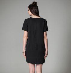 Robe Rainier Jennifer Glasgow / Rainier Dress Jennifer Glasgow Glasgow, Short Sleeve Dresses, Dresses With Sleeves, Shirt Dress, T Shirt, Collection, Fashion, Zipper, Supreme T Shirt