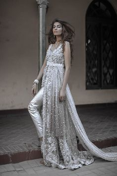 The Elan by Khadijah Shah latest bridal shoot is out now and it is heart stopping! Rabia Butt shines like a diamond in brilliant crystalline silhouettes and you can see the designer is trying to pu…
