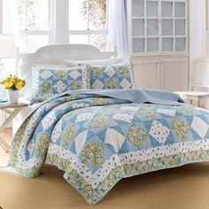 Laura Ashley Grace Patchwork Quilt with Optional Sham Separates