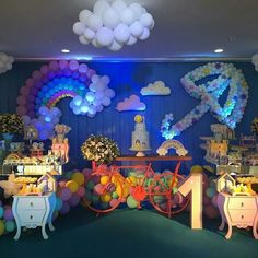 Créditos: @so1bolinho Ideia para Festa Chuva de Amor Balloon Decorations, Birthday Decorations, Baby Birthday, Birthday Parties, Ideas Para Fiestas, Fiesta Party, Deco Table, Baby Shower Cakes, Holidays And Events