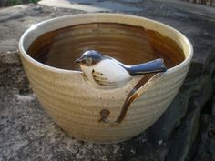 I love this bowl! I've never seen or heard of a yarn bowl before but love the idea now that I've seen one.