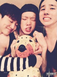 I, Bobby, and Jinhwan being adorable. My boys have grown. Comeback soon? Mix And Match Ikon, Mix Match, Bobby, Yg Ikon, Ikon Kpop, Lee Hi, Kim Jinhwan, Double B, Fandom