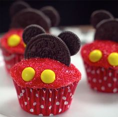 Add a little Disney magic to your weekend. Make these adorable Mickey Mouse cupcakes with your little Mouseketeers.
