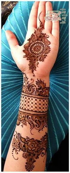 Rich Indian tradition is all about celebrating festivals with great fervor. And, it is also about decorating hands by wearing a trendy mehndi design. So, take a look at 15 charming and pretty mehndi designs which are simple and sophisticated. Mehndi Tattoo, Henna Tattoos, Mehndi Art, Henna Art, Finger Tattoos, Arabic Mehndi, Arm Tattoo, Sleeve Tattoos, Indian Mehendi