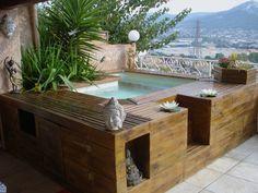 Mini piscine en bois                                                                                                                                                                                 Plus