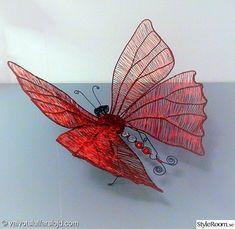 fjäril,insekt,trådkonst,inredningsdetalj,hantverk