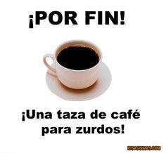 ¡Por fin, una taza de café para zurdos (=left- handed)!