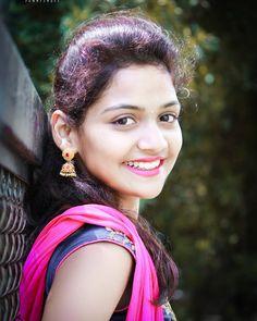 Hindavi Satkar Patil (Samu) Tik Tok star, beautiful pic of Hindavi Satkar Patil Beautiful Girl Photo, Beautiful Girl Indian, Beautiful Smile, Beautiful Women, Cute Beauty, Beauty Full Girl, Beauty Women, Indian Natural Beauty, Indian Beauty Saree