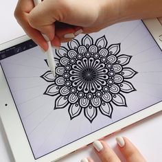 You are in the right place about mandala drawing Here we of Easy Mandala Drawing, Mandala Doodle, Mandala Art Lesson, Simple Mandala, Doodle Art Drawing, Mandala Artwork, Zentangle Drawings, Mandala Painting, Zentangle Patterns