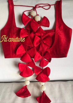 New Saree Blouse Designs, Saree Tassels Designs, Blouse Designs Catalogue, Simple Blouse Designs, Stylish Blouse Design, Bridal Blouse Designs, Stylish Dress Designs, Designer Blouse Patterns, Lehenga